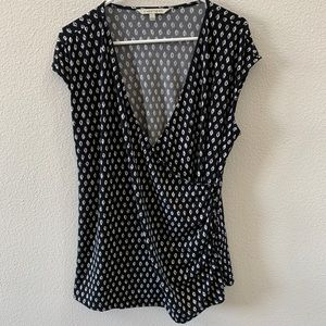 41 Hawthorn black and white geometric wrap top